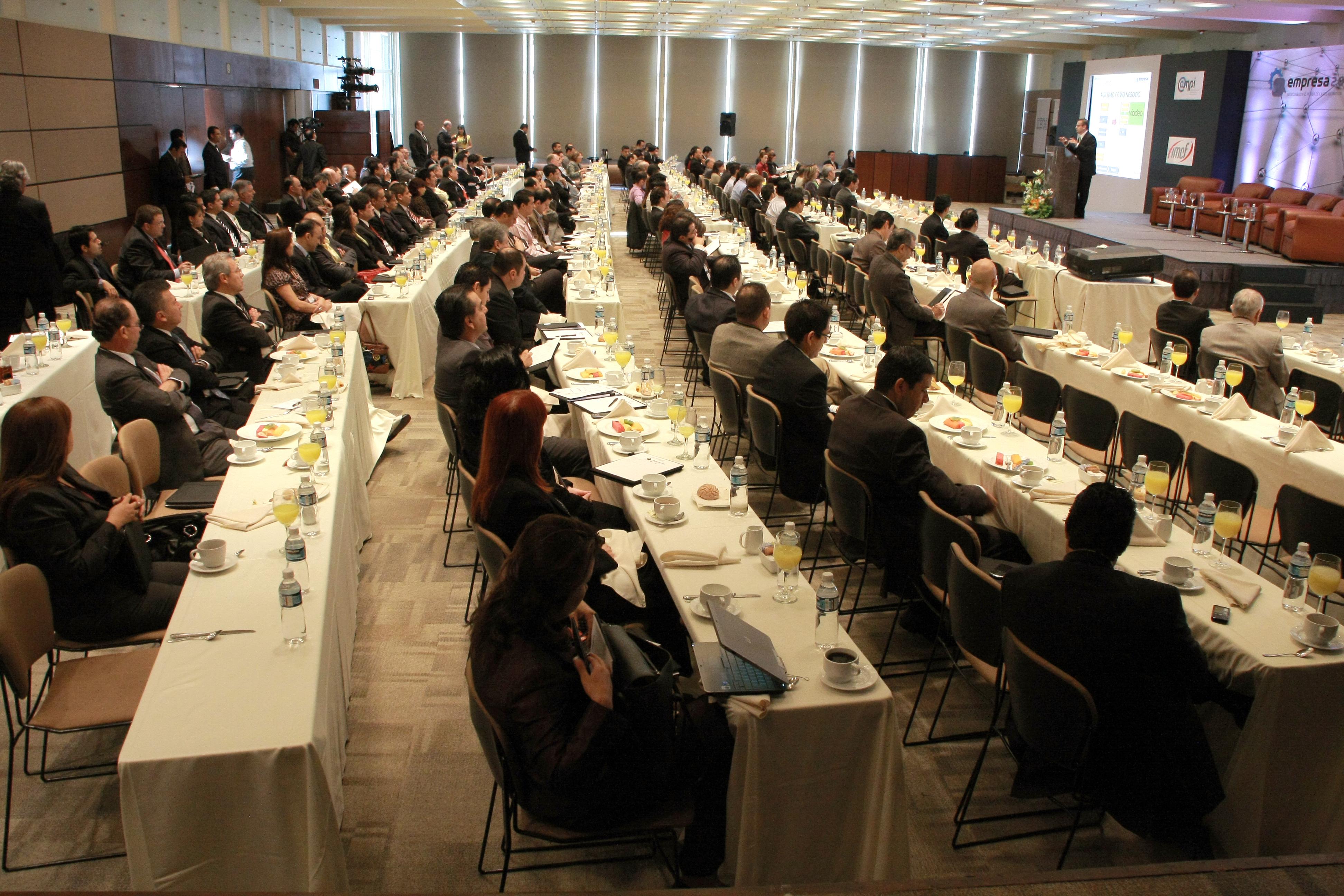 Jorge Avila - Conferencista en Redes Sociales y Tecnología